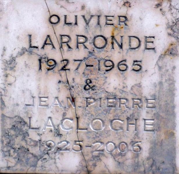 Plaque sur la tombe d'Olivier Larronde
