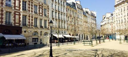 Place dauphine slide